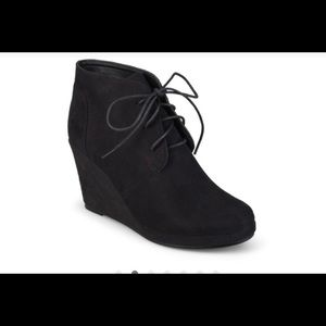 Style & Co Journee Collection boots. Size 9.